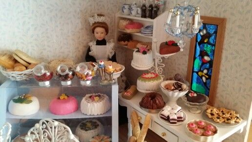 Miniature coffeehouse