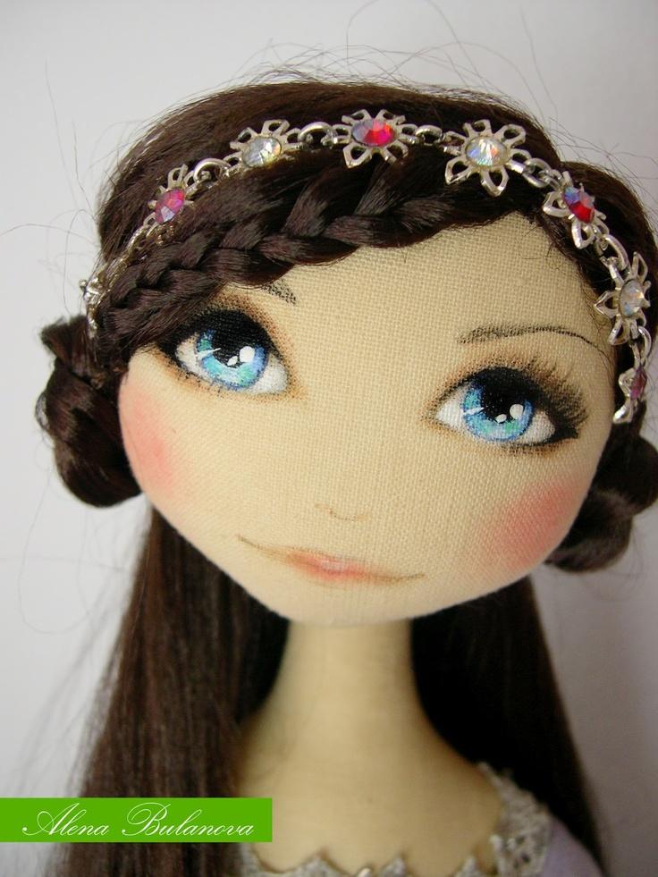 Alena Bulanova: Face - wow, beautiful!! painted eyes. Really nice.