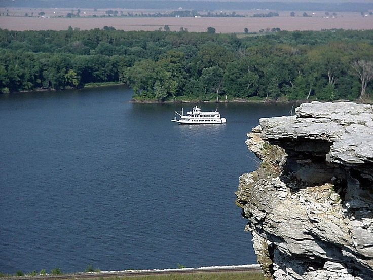 Lover's Leap overlooking the Mississippi in Hannibal, MO