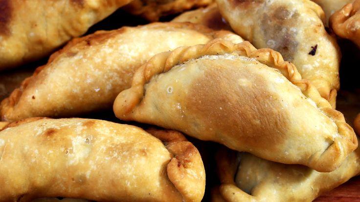 Receta de Empanadas Caseras Fritas. Como hacer la masa, el relleno y repulgue!! Deliciosooo!