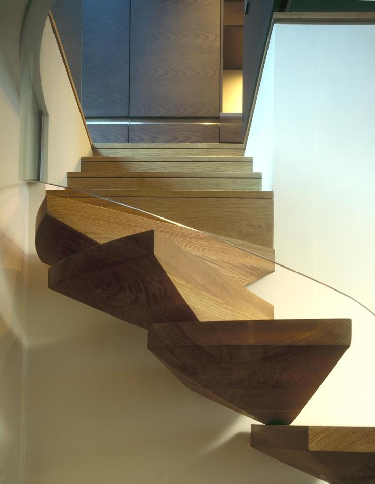 Pembridge Mews cantilever oak stair