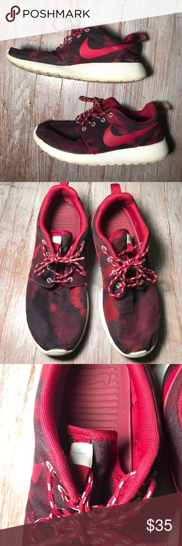 Women's Nike Roshe Runs PRICE DROP Size 8 women's Nike Roshe Runs. These are maroon/red and have a camo-like design. They're very comfortable but I don't wear them much because I have a lot of tennis shoes. Great condition! Nike Shoes Athletic Shoes