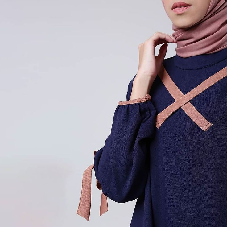 Detail of Noini Navy. You gonna love it ladies.. . Shop this from your mobile via www.eclemix.com  www.hijup.com or reach our admin contact via : - Line@ : @eclemix - WA : 081326004010 . #eclemix #myeclemix #hijup #myhijup #fashion #hijab #beauty #ootd #bandung