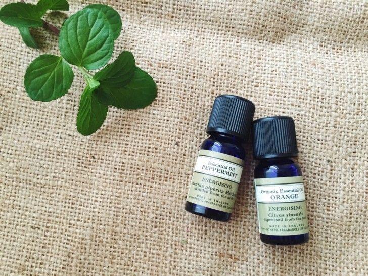 香りの種類からアロマオイルを選ぶ
