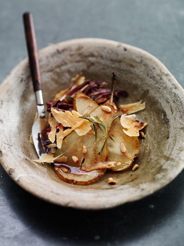 gebakken salade met radicchio, peer en 'oude grijze' | ZTRDG magazine