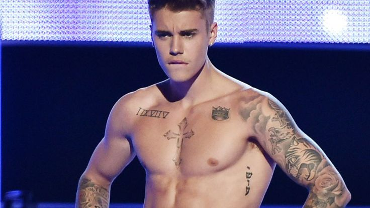 Justin Bieber adds massive torso tattoo to ink collection