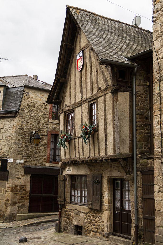 Maison à colombage datant du moyen-âge. Dinan, Bretagne. Côtes d'Armor
