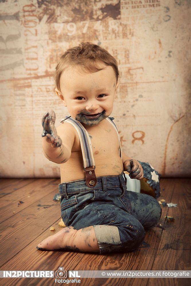 Cakesmash fun photoshoot #cakesmash #oneyearold #photoshoot #photography #in2pictures #birthday #firstbirthday