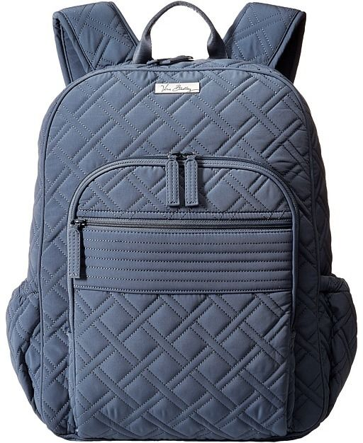If I were still in college, I would love to have this campus backpack for the new school year.