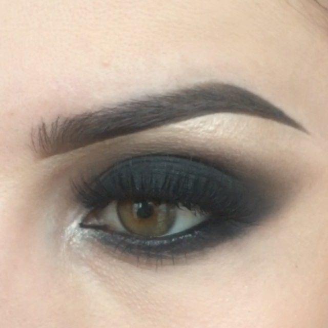 Black #smokyeyes details: pencil ( карандаш) @lorealmakeup color rich shadows (тени) #bobbibrown #18 #11 #12 brow bone #inglot 180 body pigment lashes (ресницы) @lashesbylena brushes (кисти) @sedonalace #AnastasiaBrows #fashionblogger#makeup #makegirlz #mmake#wakeupandmakeup #slave2beauty #makeupslaves #1minutemakeup #hudabeauty #vegas_nay #brian_champagne #AnastasiaBrows #howtodohair #girlzart #style #makevideos #makeuplover #makeupclips #makeupvideoss #glammakeupvideos #h…