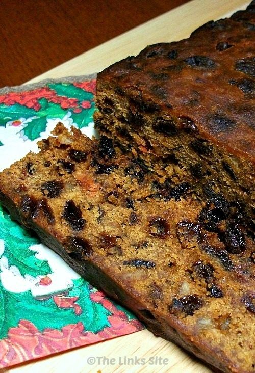 This is my favourite Christmas Cake recipe because it is delicious and also very easy to make! thelinkssite.com