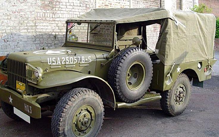 Dodge WC 51, 52, 53 .., voiture militaire - 1942  La Dodge WC51, 52, 53, 54, 56 et 57, série de camions militaires légers, cette ancienne voiture militaire fut produite de 1942 à 1945, mesure 2.12 mètres de large, 4.35 mètres de long, et a un empattement de 2.49 mètres.