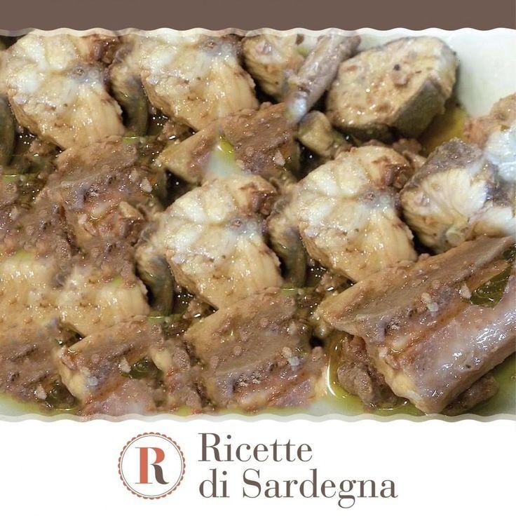 """""""Mi piace"""": 169, commenti: 3 - Ricette di Sardegna (@ricettedisardegna) su Instagram: """"La Burrida a sa Casteddaia è un piatto tipico della tradizione cagliaritana. In questa ricetta il…"""""""