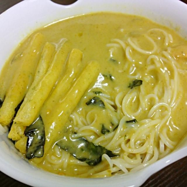 じゃがりこが、天ぷらがわりだね。 - 28件のもぐもぐ - 冷やしタイカレーそうめん by tabetaku