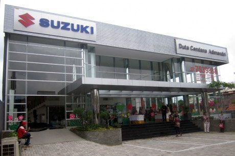 Authorized Suzuki Two-wheeler Service Center information like as Addresses and phone numbers in Ahmedabad. In which all types of servicing like Washing, Oiling, Greece & Check the  Brake, Engine, Clutch, Headlight-Tail light or Battery charging provides.