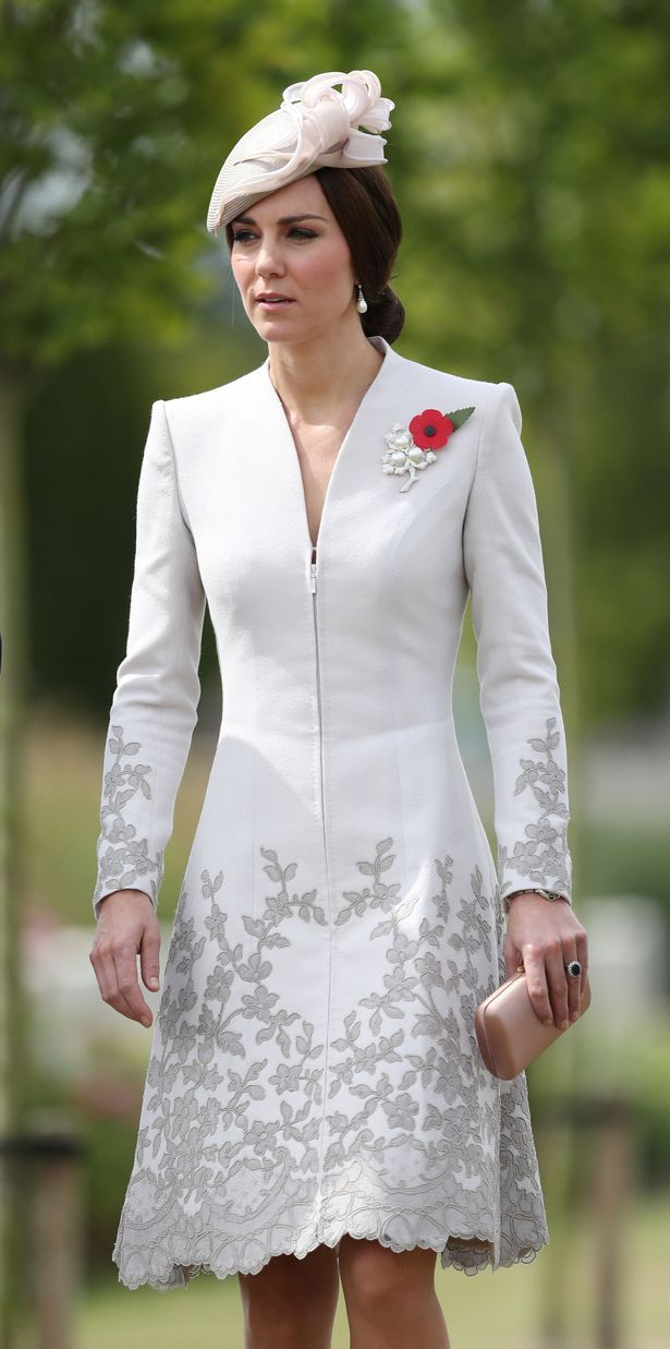 be9a4a1622d Kate and William pay tribute at official ceremony for Passchendaele ...