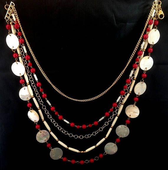 sautoir 5 rangs en nacre,perles de verre,perles en corne pièce unique fermoir mousqueton longueur 53 cm poids 207 gr