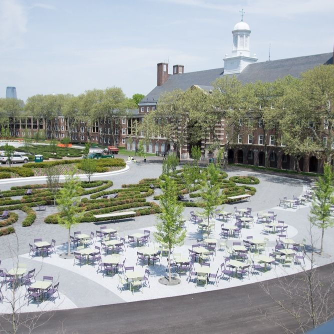 Liggett terrace food court governors island family fun for Open terrace garden designs