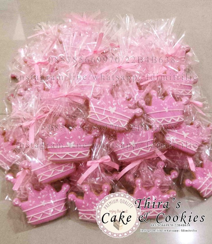 Crown Themed Cookies in pink color