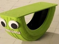 Sweet rocking bench (Tire+Wood+nails+spray paint = AWESOME #upcycle #tire #repurpose