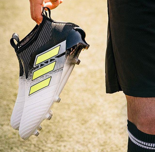 Scarpe da calcio Adidas ACE #sportlyne #magazzinoRobbiati #scarpecalcio #calcio #football #soccer #ace #adidasace #adidas #adidasfootball