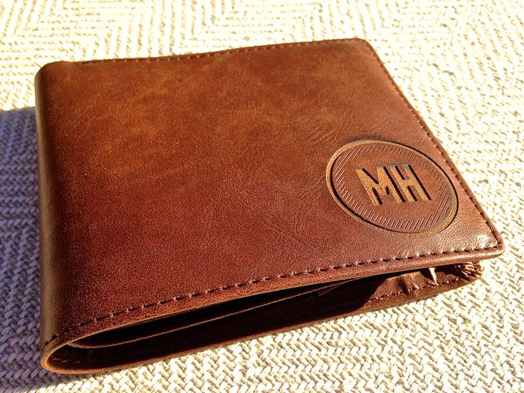 Personalized Men's Leather Wallet - Custom Engraved