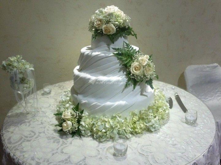 Tortas de matrimonio en Lima.  Linda decoración de Duchis Sweets & Cakes | Foto 5