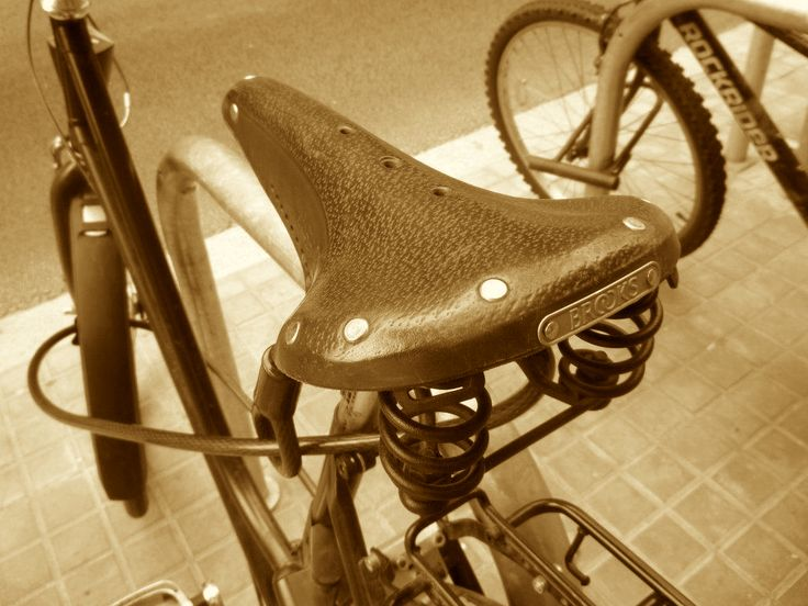 File:Bicycle Saddle In Sepia.jpg - Wikimedia Commons