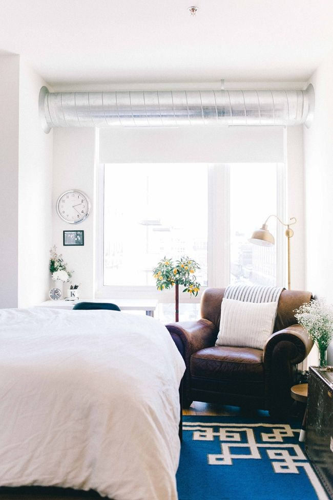 Kate Arends' Minneapolis Apartment Tour // We're loving the cool, casual vibe in this understated Apartment