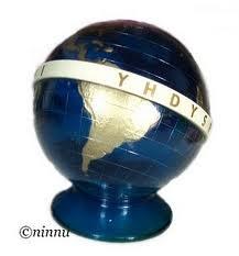 Yhdyspankin maapallo. Kolmena kesänä kesäapulaisena