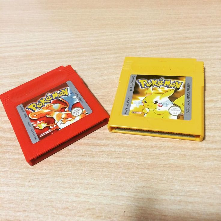 On instagram by pikarum93 #retrogames #microhobbit (o) http://ift.tt/1RnaDEe regali del mio ragazzo per la festa della donna! (Anche se Pokémon Rosso è più per lui che per me!) #pokemon20 #pokemon #pikachu #charizard #pokemonred #pokemonyellow  #retrogaming #retrocollector #retrocollection
