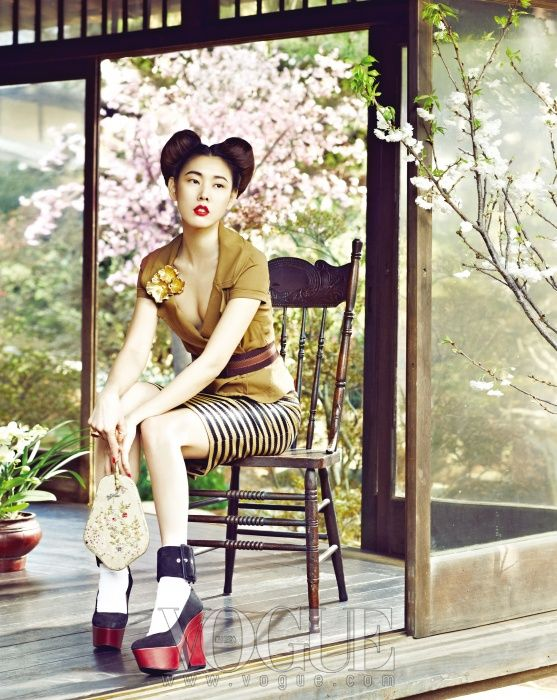 Vogue Korea: Blooming Memories. Top by Donna Karan. Skirt by Burberry Prorsum. Shoes by Céline.