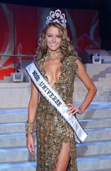 Jennifer Hawkins (Australia) Miss Universe 2004.