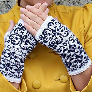 Knit-Norwegian heart fingerless gloves pattern