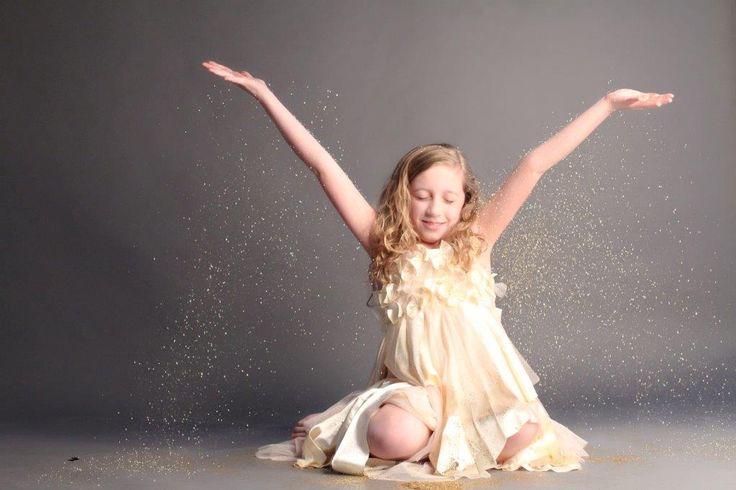 Every little girls dream.. A glitter photo shoot!!