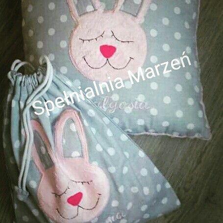 Zestaw przedszkolaka:poduszka+worek www.spelnialniamarzen.com.pl #woreknabuty #poduszka #pillow #króliczek #bunny #pink #grey #spelnialniamarzen