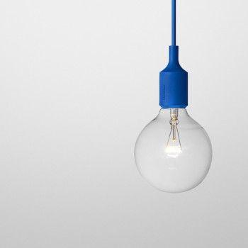 Suspension bleu, Muuto- Pour découvrir notre sélection dans les couleurs brésiliennes , c'est par ici => http://www.babayaga-magazine.com/selection-shopping/