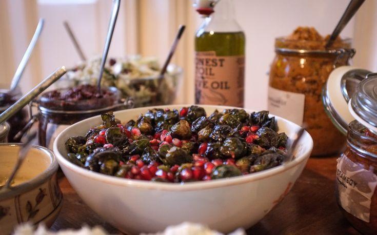 A We love olíva lakásétterem másikremek receptje az alábbi szuper sült kelbimbóvolt. Kevés hozzávaló, rövid elkészítési idő és egy szuper köret. A kelbimbó nekem is a tiltó listás hozzávalók közé tartozott és az én torkomon se lehetett lenyomni ezt a keserű, mindig szétfőzött borzasztónak tűnő…