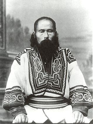 ブロニスワフ・ピウスツキが撮影した樺太アイヌ。 // Sakhalin Ainu Man ◆アイヌ - Wikipedia http://ja.wikipedia.org/wiki/%E3%82%A2%E3%82%A4%E3%83%8C #Ainu #Aynu #アイヌ