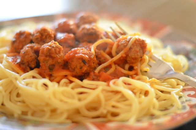 Most Moroccans make their pasta sauce from scratch with fresh, ripe tomatoes. Here's a basic recipe for Moroccan style spaghetti sauce with optional meatballs.