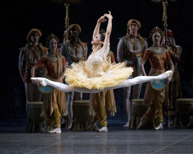 Ohh can you Imagine a six-foot tall Misty, I couldn't even look at a pic of her. Misty Copeland as Gamzatti, by Gene Shiavone