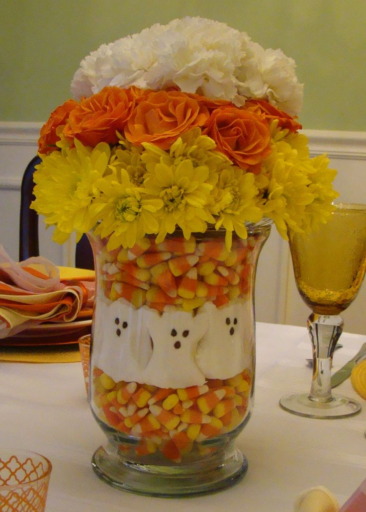 Halloween centerpieces using candy corn creative