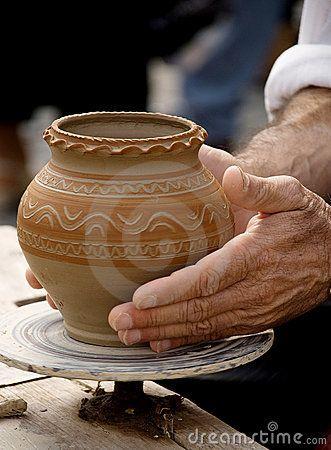 Fazendo A Cerâmica Tradicional Foto de Stock - Imagem: 17588000