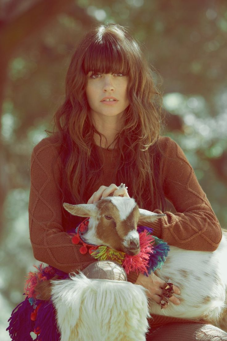 bangsMessy Waves, Bangs Long Hair, Dreams Hair, Wavy Hair, Bangs Hair, Bohemian Girls, Hair Style, Brown Hair, Baby Goats