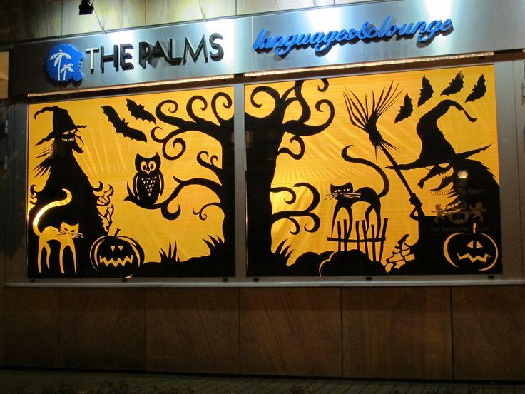Witryna z okazji Halloween w Wilanowie to już kilkultetnia tradycja The Palms