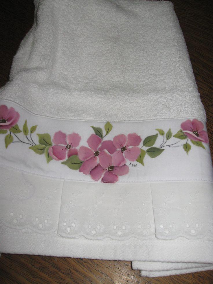 Toalla de rostro pintada a mano ba os pinterest - Decoracion con toallas ...