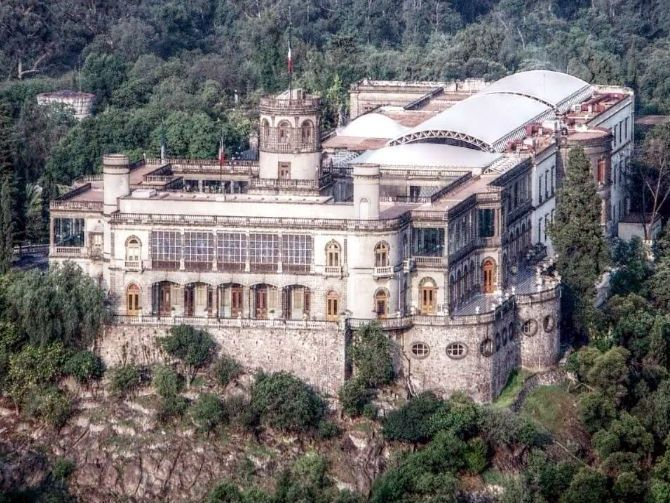 Castillo de Chapultepec. Mexico City. Google Image Result for http://www.garuyo.com/uploads/2012/9/el-castillo-de-chapultepec-68-anos-como-museo_118899.jpg_25328.670x503.jpg