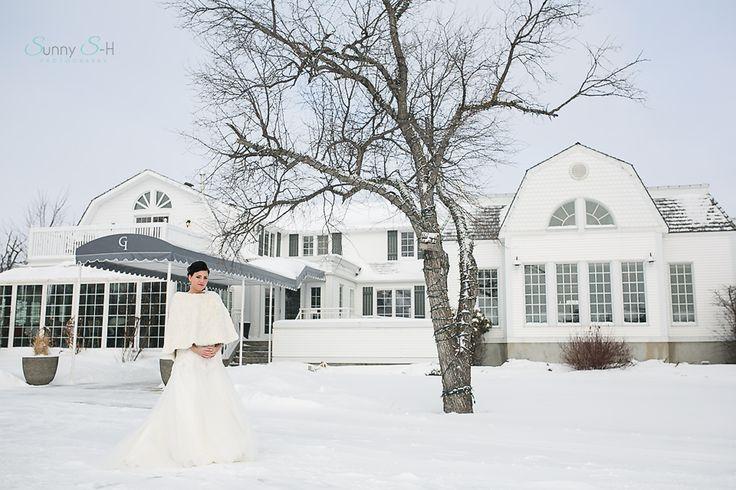 Winter wedding at The Gates on Roblin.  Winnipeg wedding ceremony/reception locations.