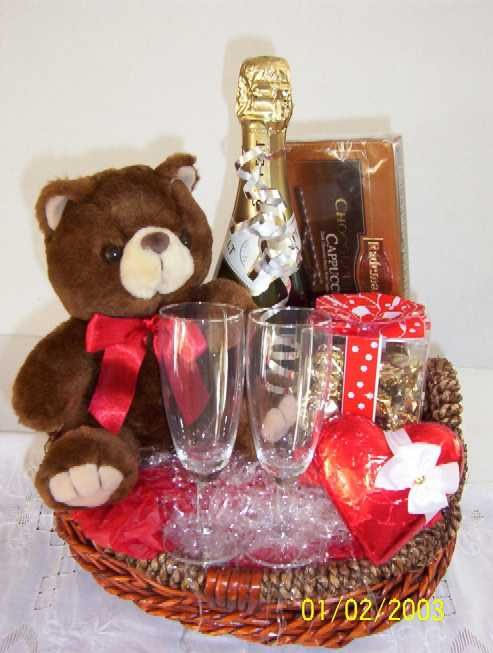 Valentine's Day Basket Ideas | VALENTINE DAY GIFTS