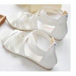 Güneşli havaların vazgeçilmezi sandalet ayakkabılar, ayakların rahat ettiği, yaz aylarının en kullanışlı ayakkabı tarzıdır. Günlük hayatta tercih edebileceğiniz çapraz askılı düz ayakkabı uygun fiyat ve ücretsiz kargo avantajı ile  Uzaktangelsin.com'da. Sitemizde bulunan tüm ürünler Uzaktangelsin.com güvencesi altındadır. %100 güvenli alışveriş yapmanın keyfini çıkartın.